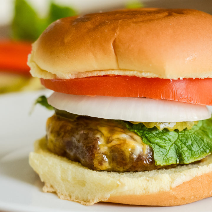 Easy Air Fryer Cheeseburgers