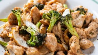 Healthy Air Fried Chicken and Broccoli in Air Fryer