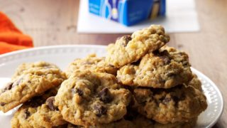 Air-Fryer Chocolate Chip Oatmeal Cookies