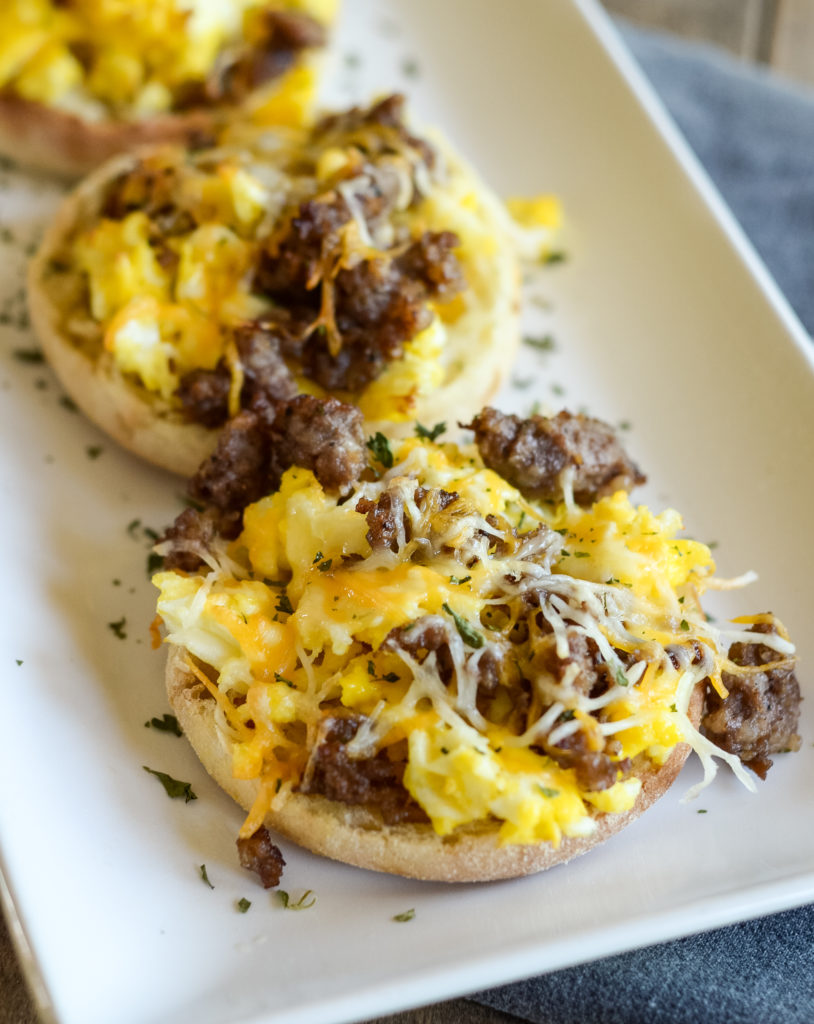 air fryer breakfast pizzas